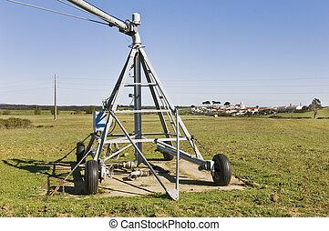Irrigation pivot axis