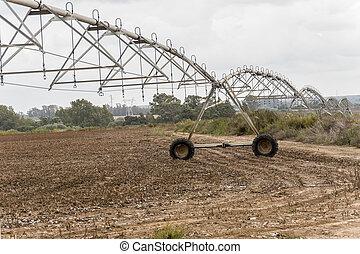 Irrigation pivot system watering