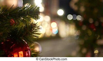 iskrzasty, noc, wozy, na wolnym powietrzu, boże narodzenie, jasny, festively, bokeh, miasto, defocused, girlanda, zamazany, ozdobny, drzewo, tło., światła, ulica, closeup, effect., droga, piłki, czerwony, wróżka