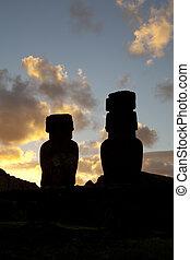 isla de pascua, estatuas, en, ocaso