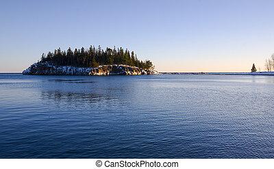 isla, en, frío, agua azul