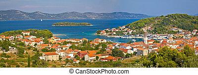 Island of Veli Iz panoramic view