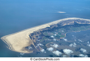 Island view - Island in the wadden sea in northern Germany