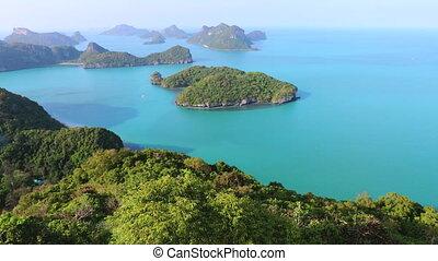 islands at moo koh ang thong national marine park