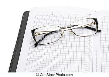 isolato, bianco, aperto, blocco note, occhiali