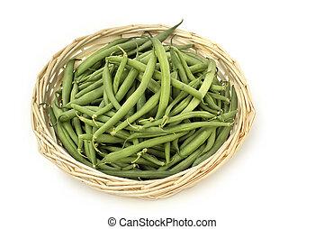isolato, sfondo verde, cesto, fagioli, bianco