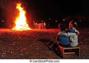 Israel Lag B'Omer Jewish Holiday - Israeli youth celebrate...