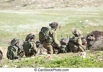 Israeli soldier training - Israel Defense Forces -...