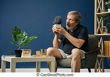 Old bearded man with alzheimer desease - Is't live or ...