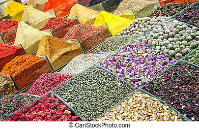 Istanbul egyptian spice market 01
