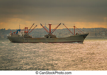 istanbul, ferry-boat, voile, dans, les, mer, et, bosphore
