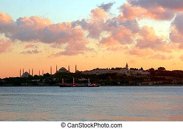 Istanbul, Sarayburnu on sundown