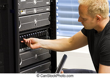 IT Consultant Maintain SAN and Servers - It engineer /...