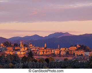 italia, lombardía, salida del sol, durante, cityscape, bergamo