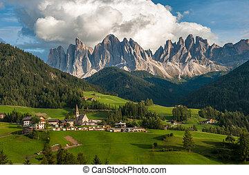 italia, val, funes, maddalena, di, dolomiti, santa, villaggio