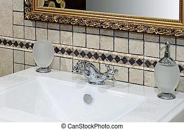 Italian basin detail