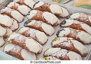 italian cannoli, traditional sicilian dessert - italian...
