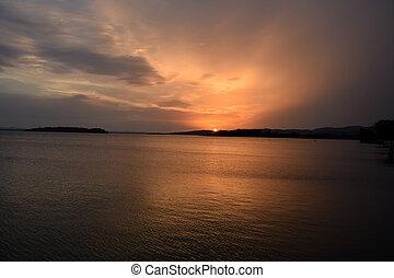 Italian Lakes - Beautiful Lake Trasimeno at sunset - Umbria - Italy