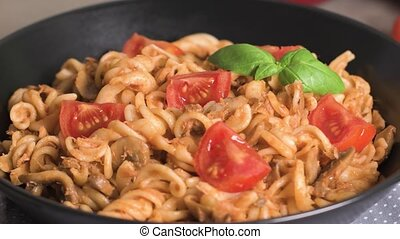 Italian Pasta with Tuna and Basil