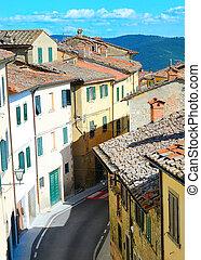 Italian Town - Traditional Italian street in Cortona, ...