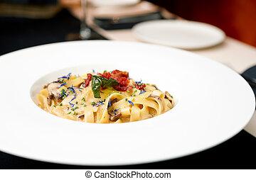 italiano, pasta