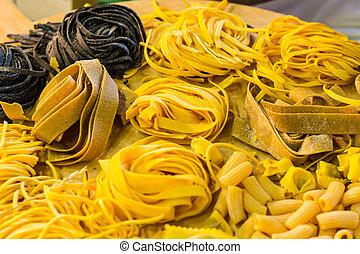 italiano, pastas