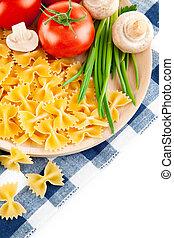 italienesche, nudelgerichte, mit, fleischtomaten, und, champignons
