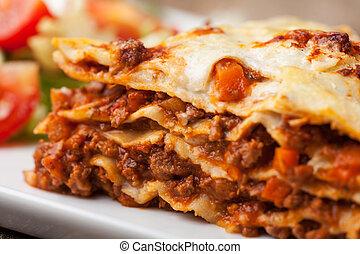 italiensk, lasagna, på, en, firkantet, beklæde
