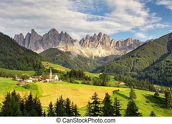 Italy dolomites - Val di Funes