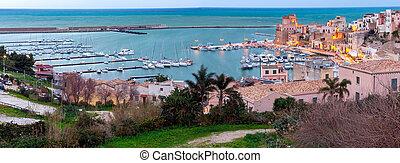 Italy. Sicily. Castellammare del Golfo. - Panoramic view of ...