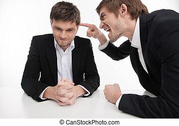 it?s, pointage, fâché, hommes, jeune, mistake., isolé, quoique, formalwear, autre, homme affaires, blanc, ton