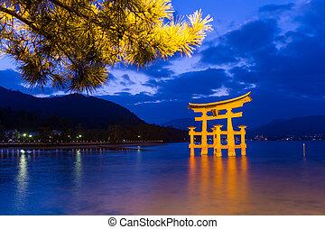 itsukushima shrine, sera