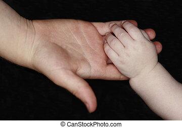 izgalmas, csecsemő kezezés