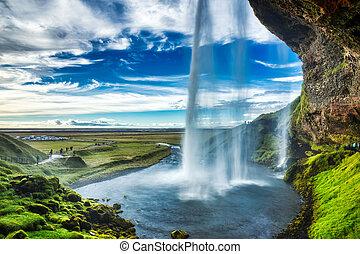izland, vízesés, seljalandsfoss