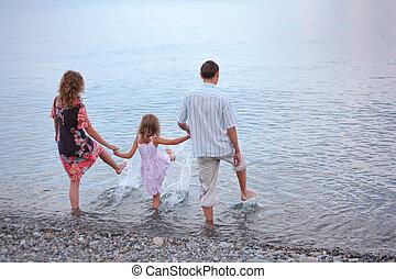 jár, kicsi lány, család, boldog