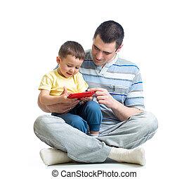 játék, tabletta, olvas, atya, látszó, számítógép, kölyök