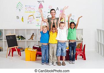 jókedvű, gyerekek, tanár, preschool