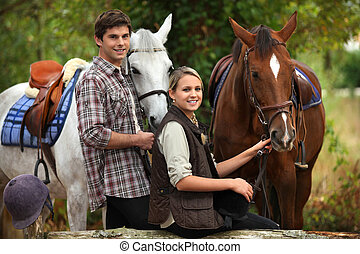 jóvenes, caballo que cabalga