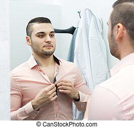 jóvenes masculinos, fitting-room