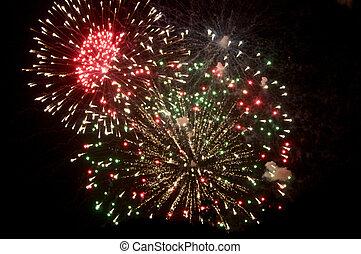 július, fireworks., negyedik