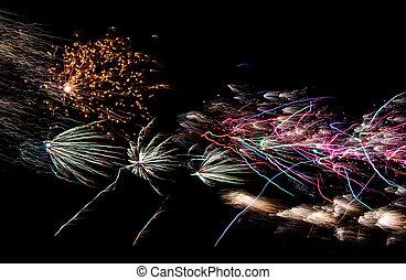 július, tűzijáték, negyedik