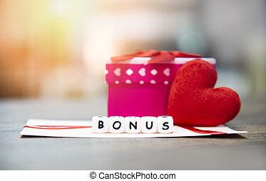 jaarlijks, doosje, concept, kantoor, cadeau, hart, bonus, -, bedrijf, enveloppe, aanmoediging, morale, de kaart van het document, tafel, verrassing, rood