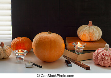 Jack-o-lantern DIY. preparing for the Halloween party, carve pumpkins for Halloween
