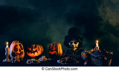 Jack-o-lantern says goodbye and disappears - Jack-o-lantern...