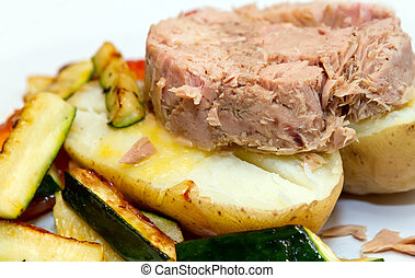 jacket potato with tuna filling