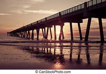 Fishing Pier - Jacksonville Beach Fishing Pier in early ...