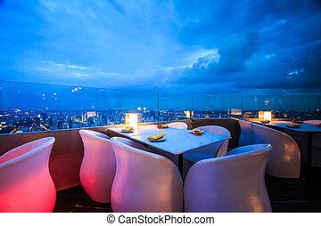 jadalny stół
