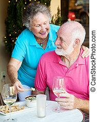 jadalny, starsza para, poza