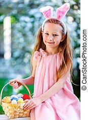 jaja, wielkanoc, mała dziewczyna