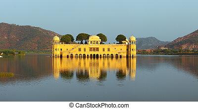 jal mahal palace on lake in Jaipur